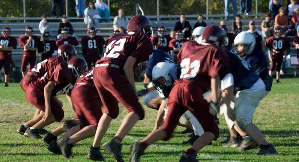 Football season raises awareness of concussion risk