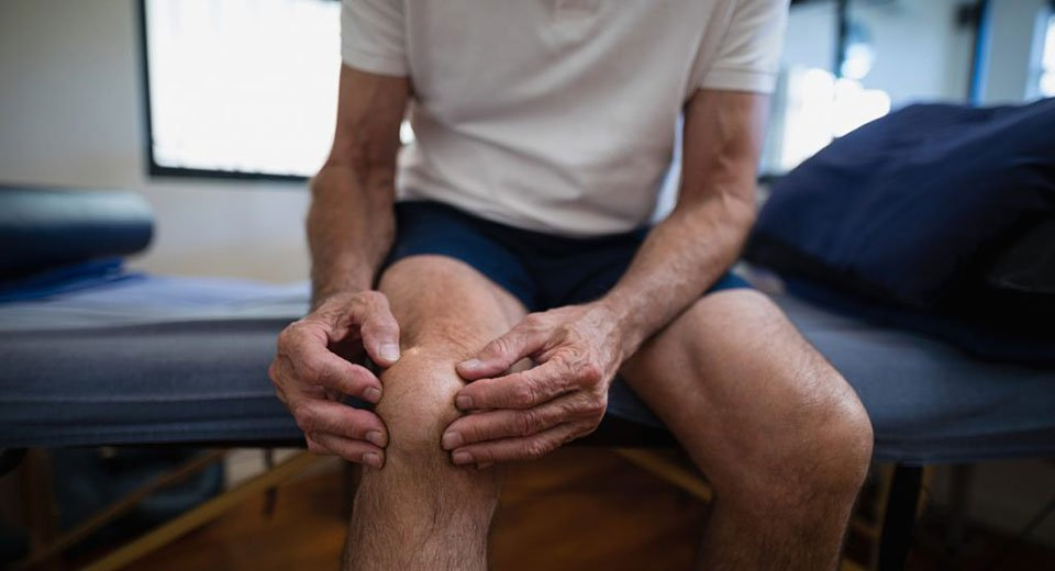 Should you replace both knees at one time?
